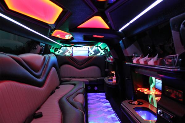 Chrysler 300 limo rental Council Bluffs